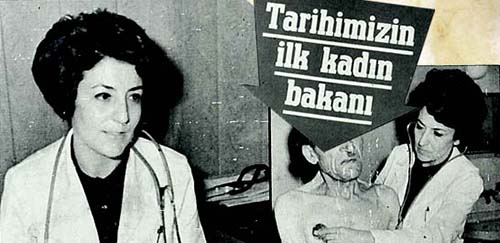İlk Kadın bakan Türkan Akyol'dur.